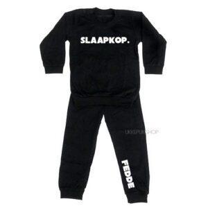 bedrukte-pyjama-baby-kind-naam-slaapkop-zwart