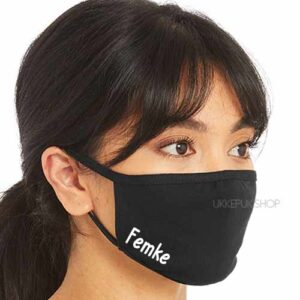 mondmasker-mondkapje-mondkap-gepersonaliseerd-naam-letter-initiaal-namen-zwart