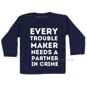 shirt-partner-in-crime-troublemaker-grote-broer-zus-kind-peuter-kleuter-blauw