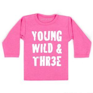 shirt-young-wild-three-verjaardag-jarig-shirt-drie-jaar-feest-kinderfeest-kleuter-roze