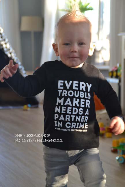 troublemaker-shirt-zwanger-zwangerschapsaankondiging-grote-broer-zus